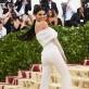 """Kendall Jenner como un """"ángel moderno"""", según las crónicas."""