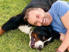 Jordi Castell y Marley perro